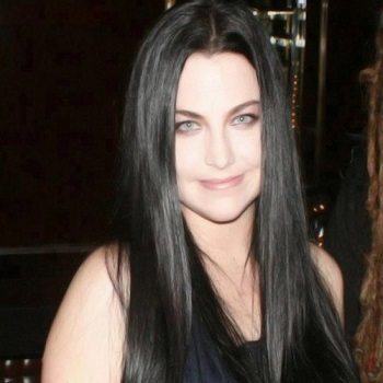 Amy Lee Bio Born Age Family Height And Rumor