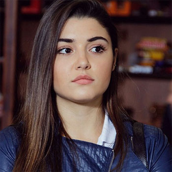 Hande Ercel Bio - Born, age, Family, Height